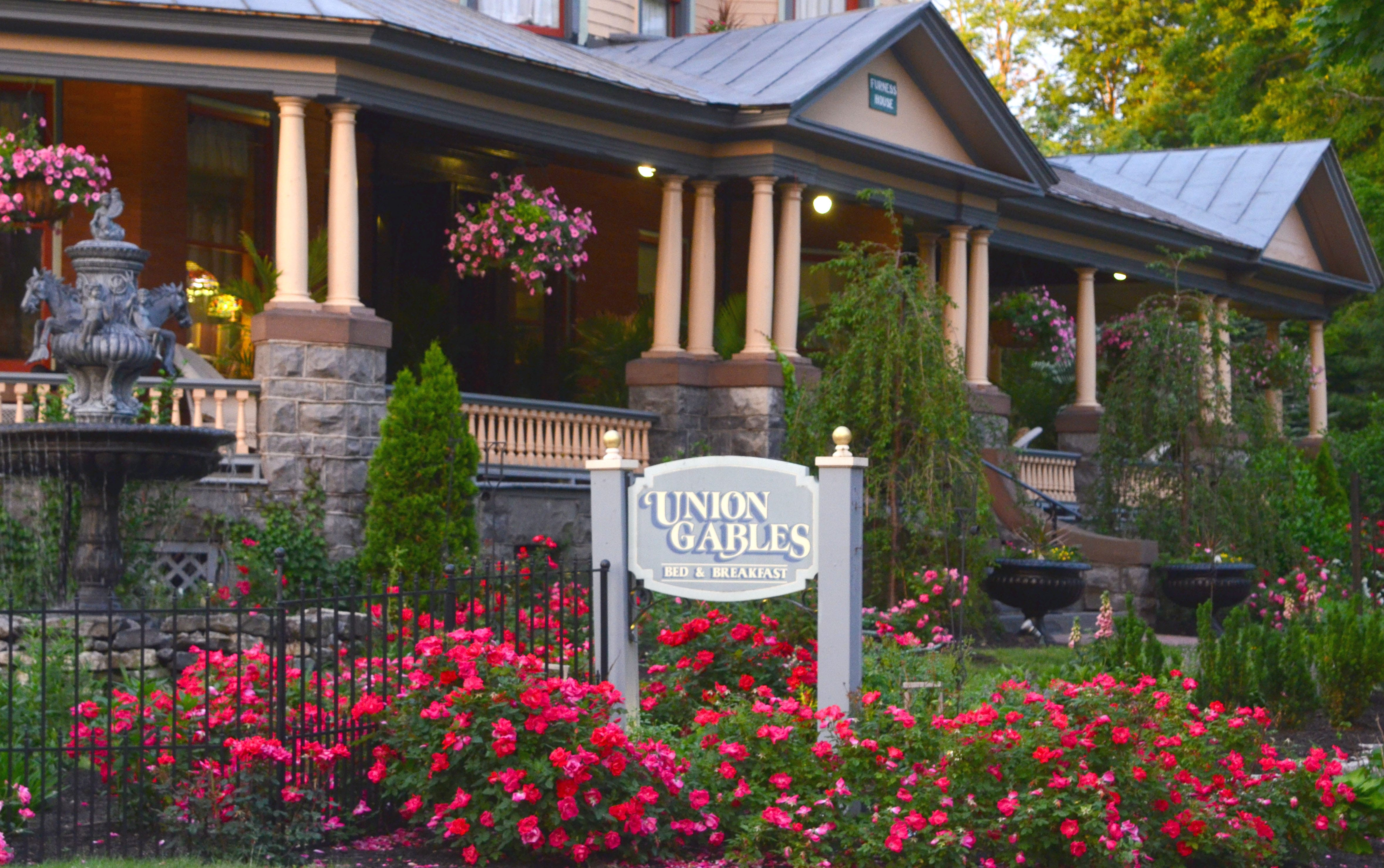 Union gables saratoga springs ny vacation rental guide for Luxury hotels in saratoga springs ny